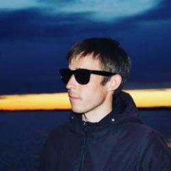 Молодой парень ищет девушку или женщину. Естественно для приятного времяпрепровождения. Севастополь.