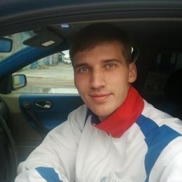 Симпатичный парень ищет девушку из Севастополь для секса без обязательств.