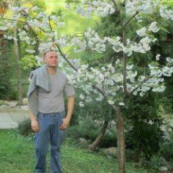 Молодой парень сделает куни девушке в Севастополе