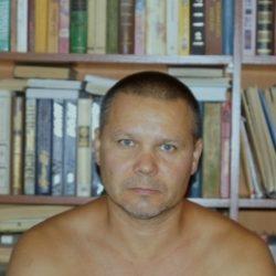 Восточный парень ищет  девушку в Севастополе для секс встреч