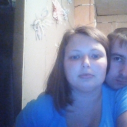 Симпатичная пара ищет девушку би для редких встреч в Севастополе.