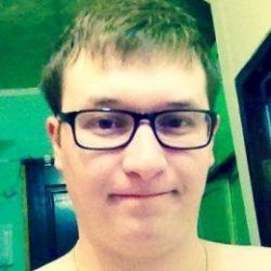 Симпатичный парень ищет милую девушку для взаимных утех в Севастополе