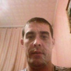 Высокий, плечистый парень ищет девушку/шек для плотских утех и приятного общения в Севастополе