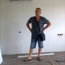 Молодой и очень крутячий парень заставлю кричать от удовольствия красивую девушку в Севастополе