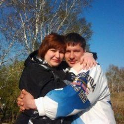 Молодая семейная пара из Севастополь. Ищем молодую и неопытную девушку-би для дружбы и встреч