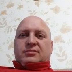 Молодой парень ищет девушку для одной или постоянных встреч в Севастополе